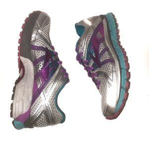 Brooks gts women's running shoes size 9.5